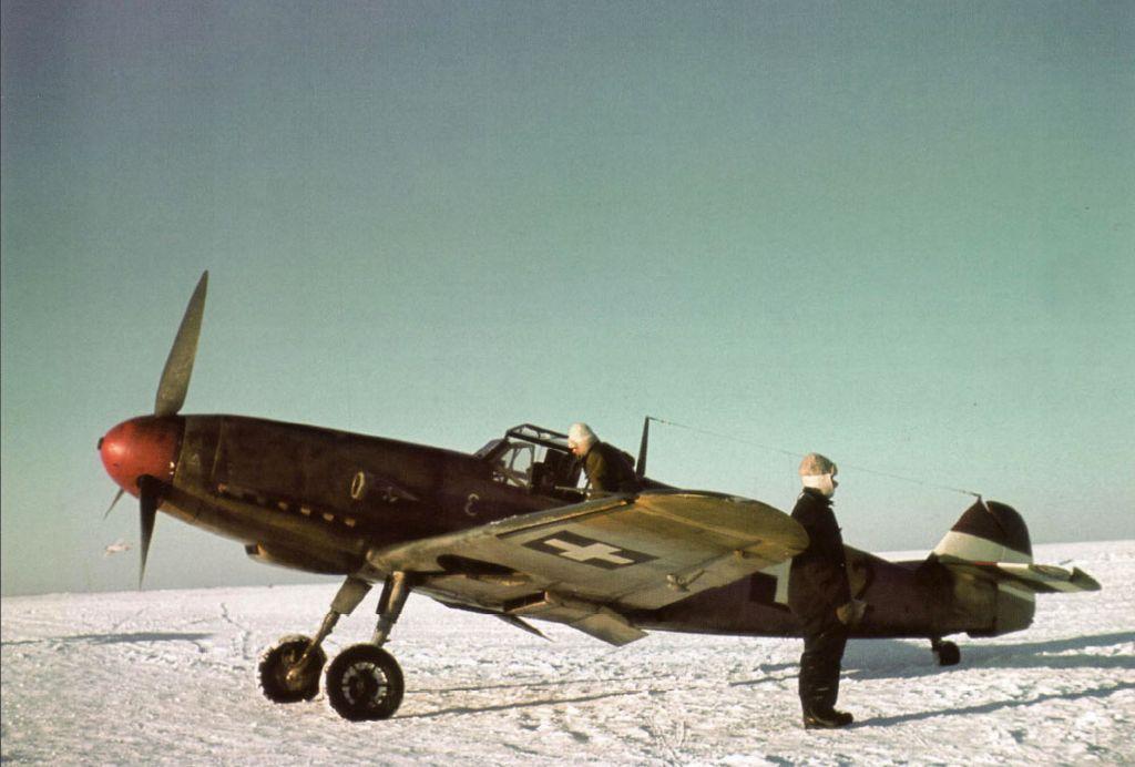 Hungarian Air Force-1-bf-109f-rhaf-101.1-v0-12-hungary-1942-01.jpg