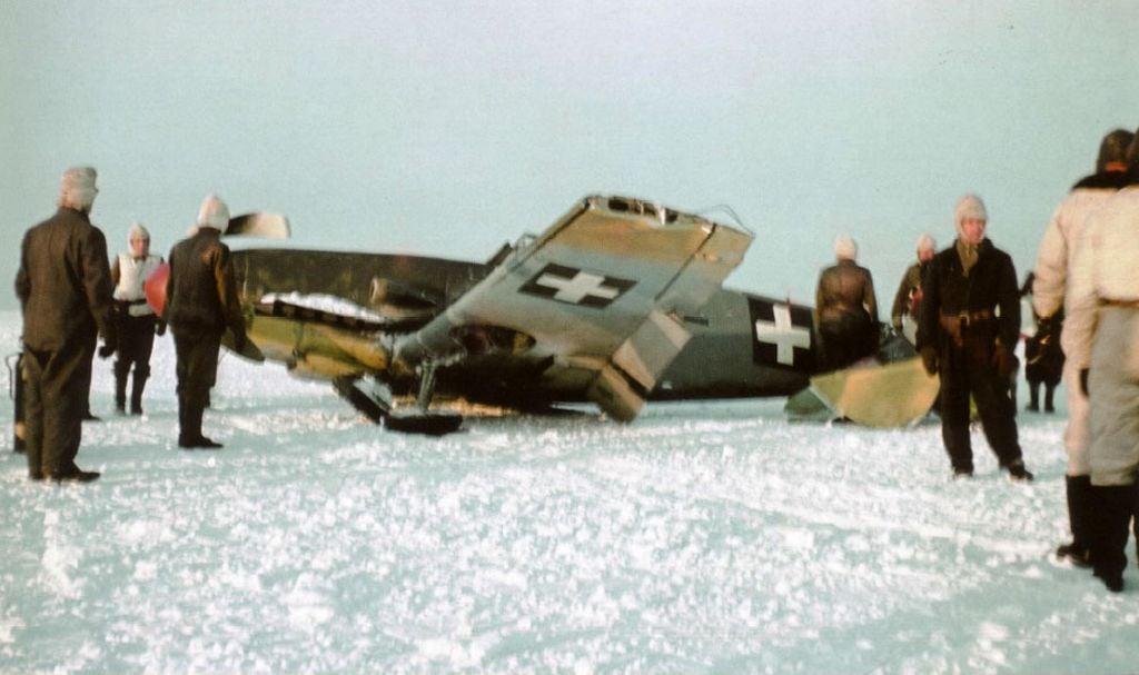 Hungarian Air Force-1-bf-109f-rhaf-101.5-v-08-hungary-1942-04.jpg