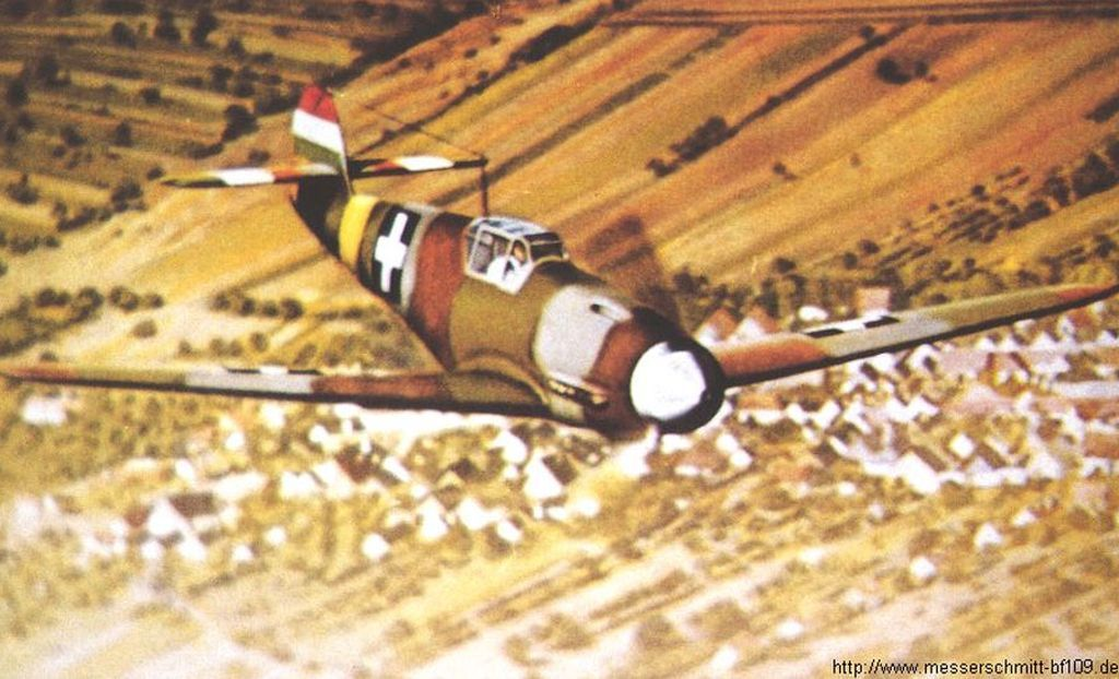 Hungarian Air Force-1-bf-109f-rhaf-experimental-camouflage-scheme-01.jpg