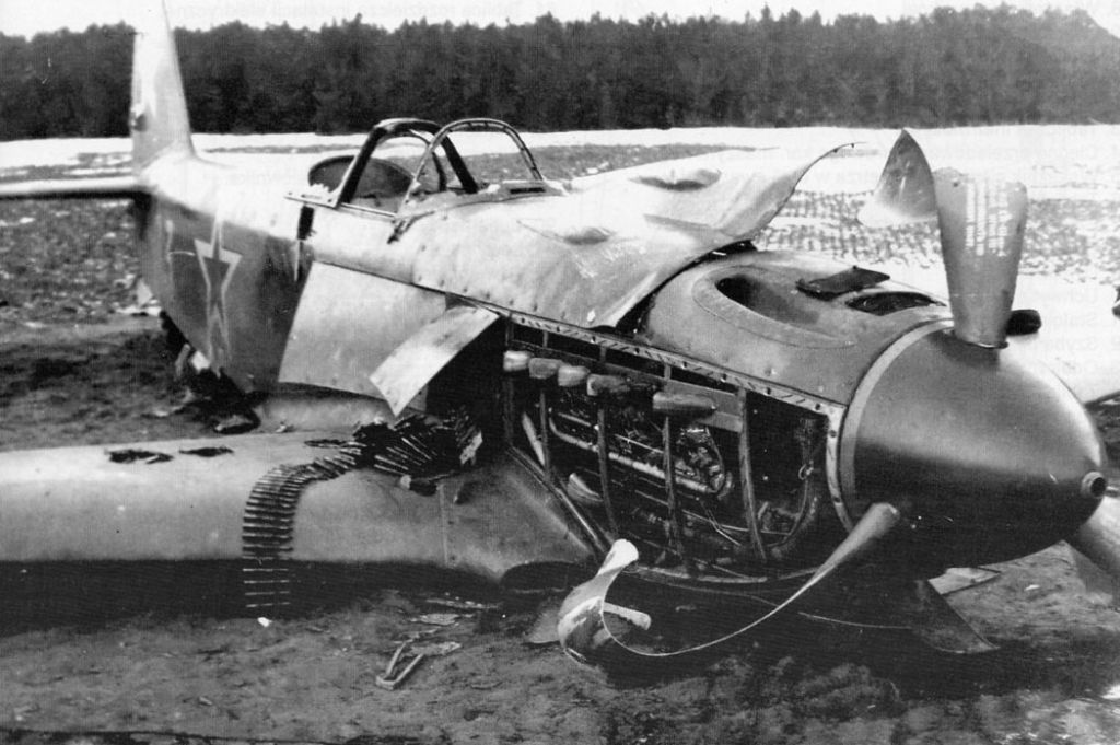 Accidents and losses-1-yak-3-crash-landed-russia-03.jpg