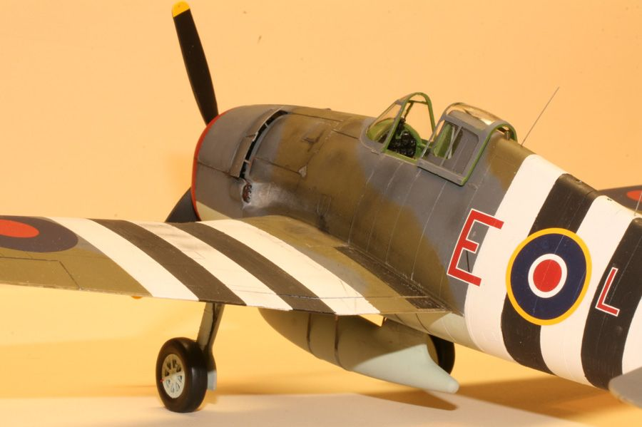 1st PLACE EXPERT and  MEMBERS CHOICE: 1/48 Hellcat Mk I JV-131 No 800 Sqn HMS Emperor-100412-8-oclock-lo.jpg