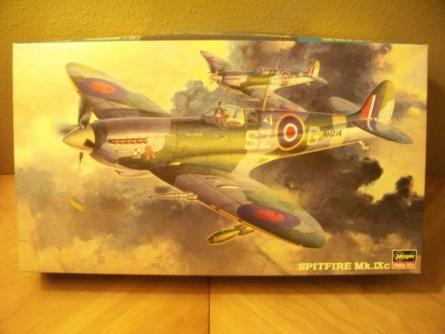 "**** DONE: Spitfire Mk IXc - James Edgar "" Johnnie"" Johnson - Aircraft of the Aces GB-100_0962_640x480.jpg"