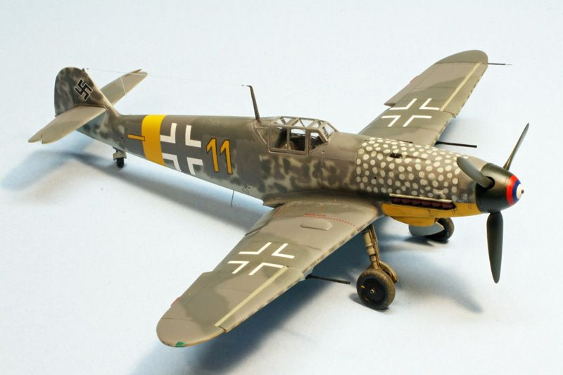 "1st PLACE EXPERT: 1/48 Bf 109G-4/R6 ""Yellow 11"" of 13.(Slow)/JG 52 Eastern Front GB-110506-2-oclock.jpg"