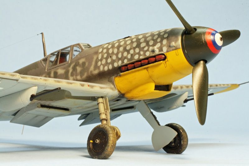 "1st PLACE EXPERT: 1/48 Bf 109G-4/R6 ""Yellow 11"" of 13.(Slow)/JG 52 Eastern Front GB-110506-2-oclock-low.jpg"