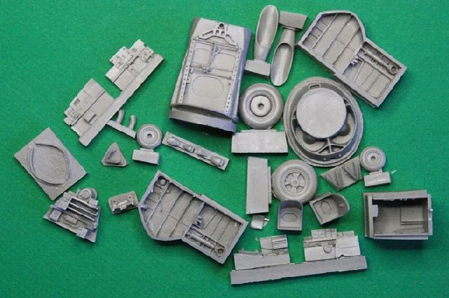 **** DONE: 1/48 Fairey Gannet AS.1 - Carrier Aircraft GB-120710-1d-resin-bits.jpg