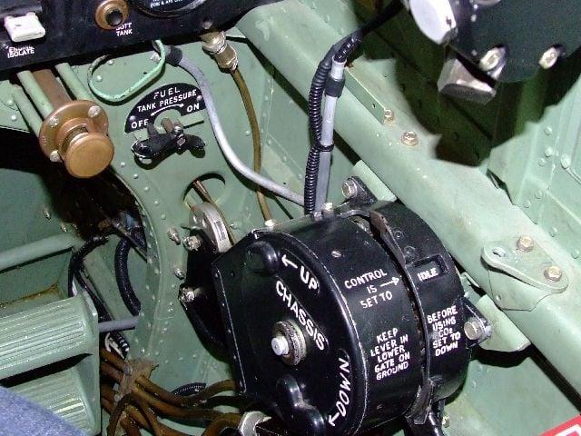 Spitfire Cockpit Colour-2006_0407coningsby0039-jpg