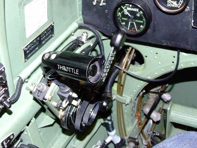 Spitfire Cockpit Colour-2006_0407coningsby0040-jpg