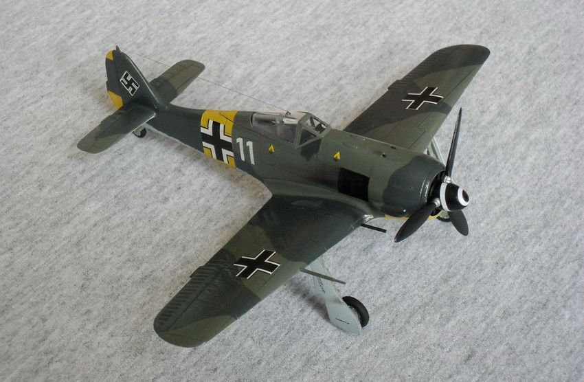 **** FINISHED: Academy 1/72 Fw 190A-4 of 1./JG 51, Russia, 1943, VVS/Eastern Front GB-306.jpg