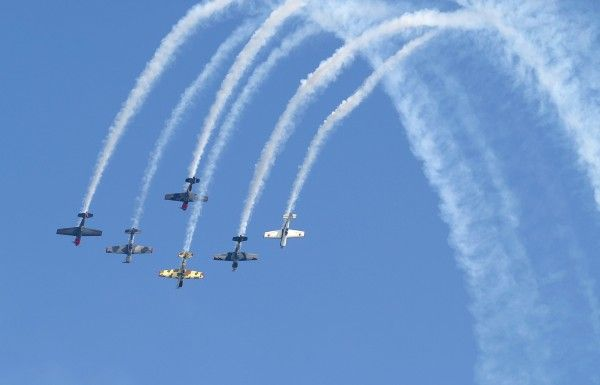 Best Aerobatic Team?-4yaks1_7023-med_213.jpg