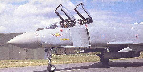 No 56 Squadron, RAF, 'The Firebirds', 1918 - 2008.-56-sqn-build.jpg