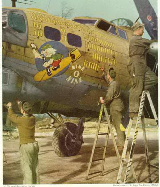 """Controversy over B-17G """"909"""" color -please comment-909-jpg"""