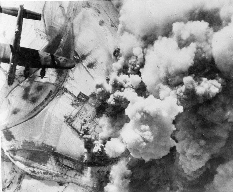 RAF Bomber Command Diary... Jan 1945......-atst_vith_lanc.jpg