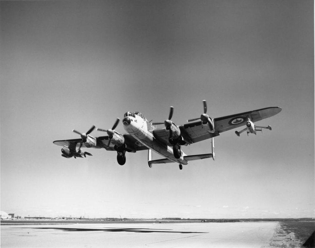 Avro-lancaster-001.jpg