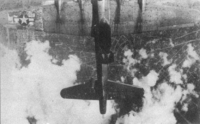 Battle Damaged Aircraft of WW2-bombed_tail1.jpg