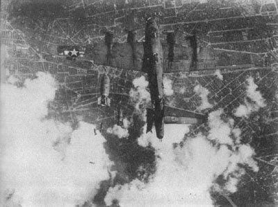 Battle Damaged Aircraft of WW2-bombed_tail3-jpg
