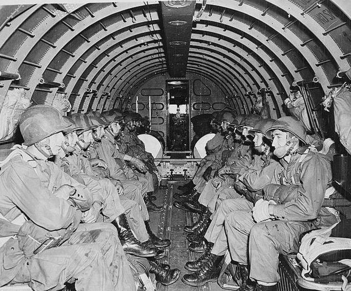 Douglas C-47 Skytrain D-Day paratroopers-c-47-interior.jpg