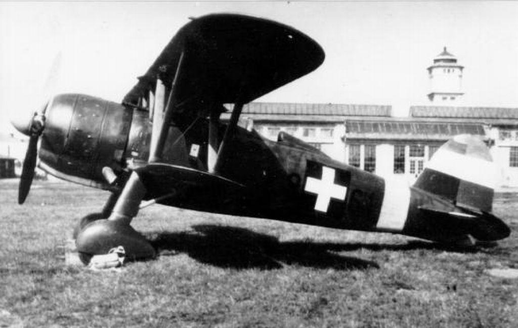Hungarian Air Force-c42p5-jpg