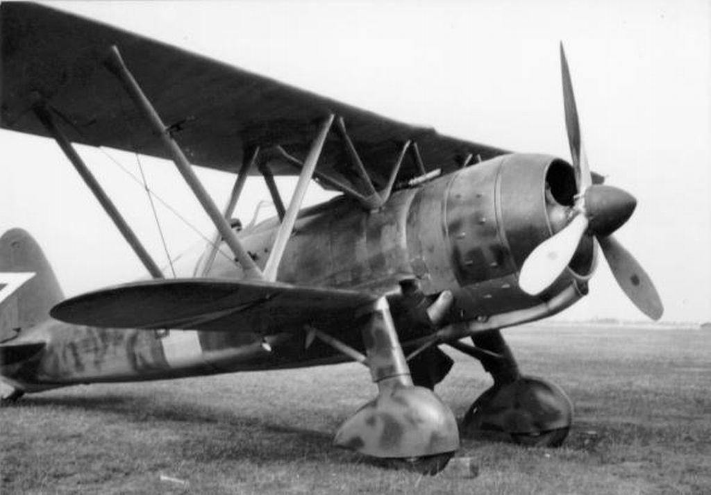 Hungarian Air Force-c42p8-jpg