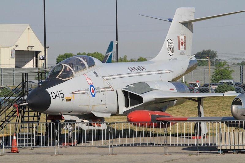 CF-101 Voodoo 101045 18Jun16 Hamilton.JPG