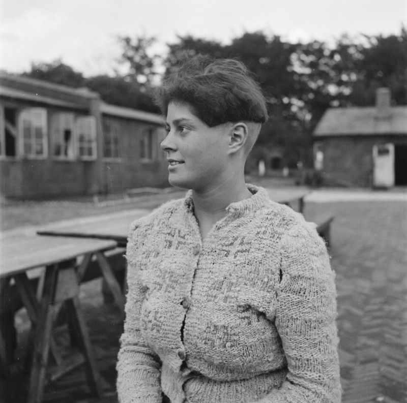 Collab Dutch woman in camp Amersfoort_2.jpeg