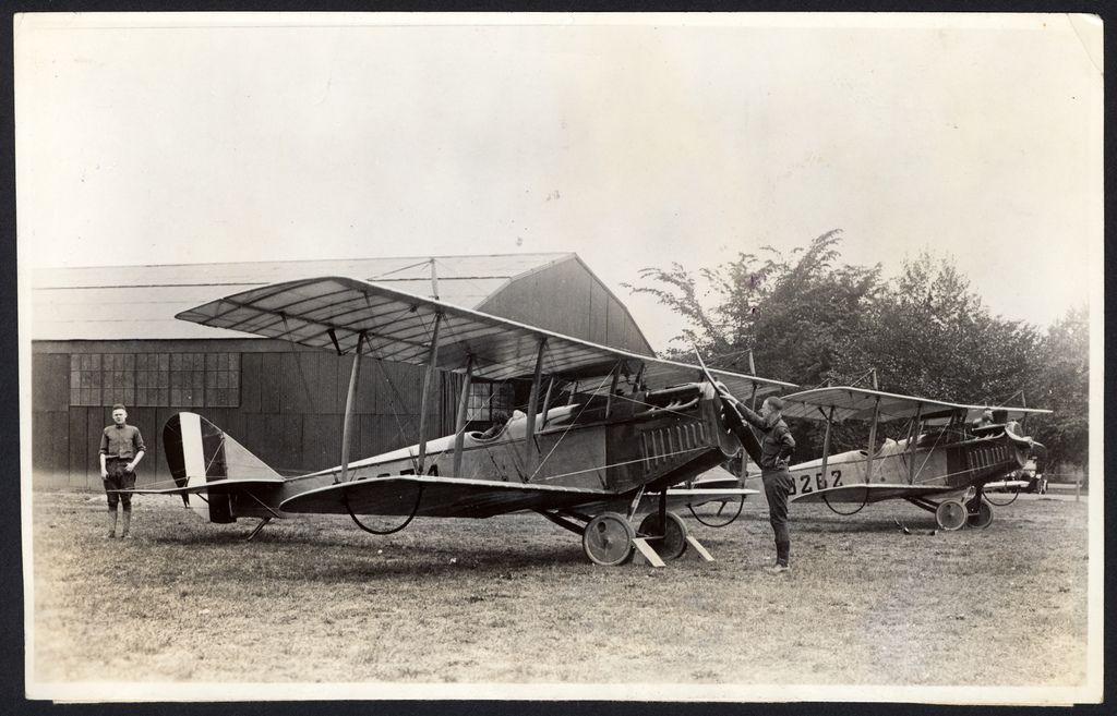 USAAC: Pre-war aircrafts-curtiss-jn-4-jenny-002.jpg