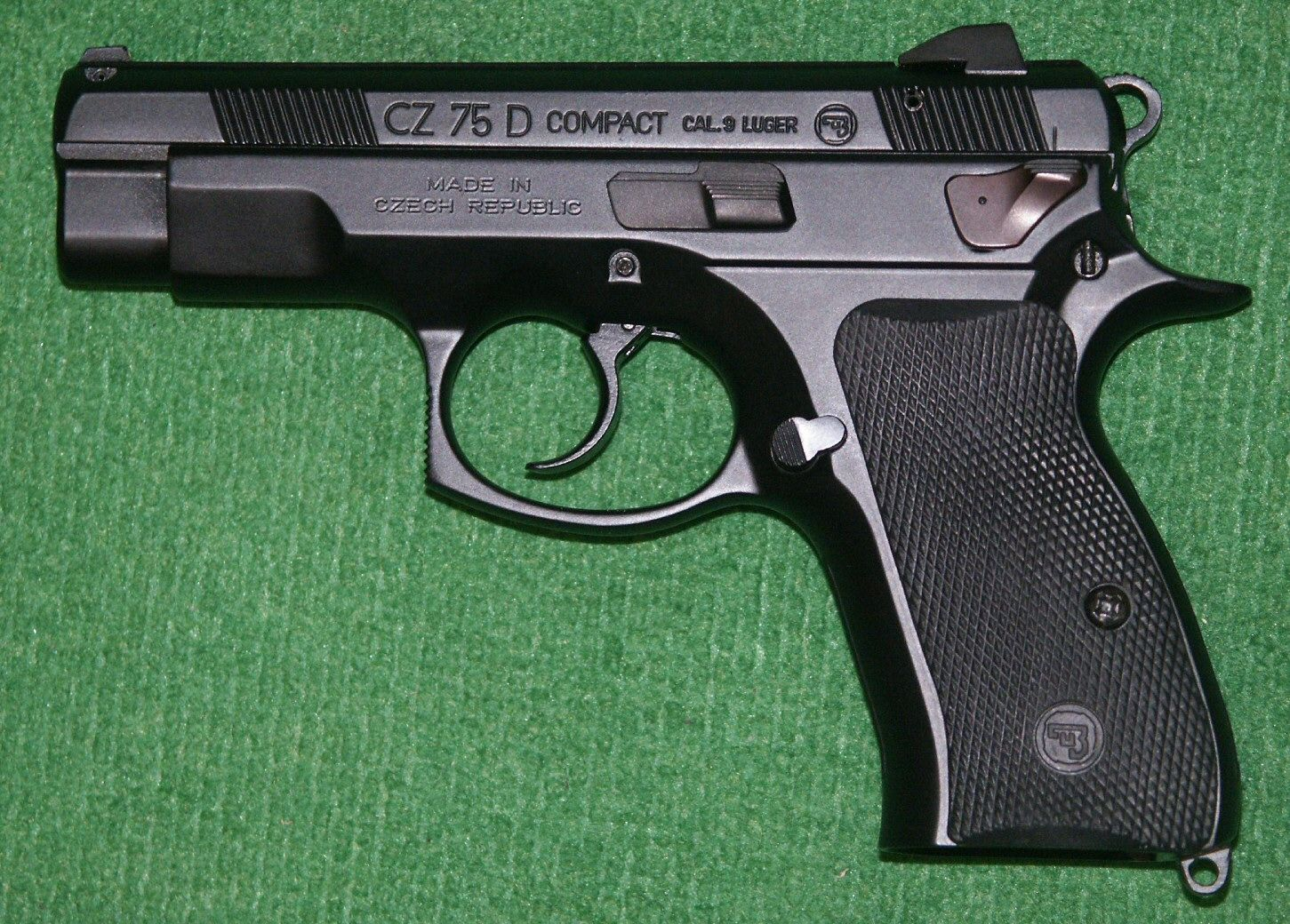 Le bon chiffre - Page 3 135252d1276561567-guns-we-own-cz75d