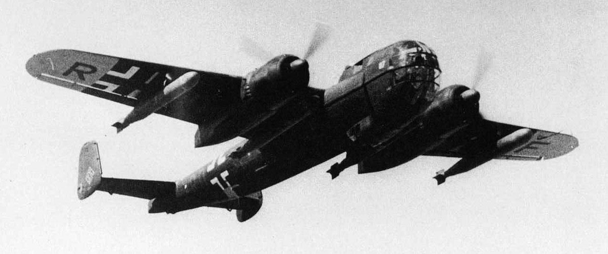 dornier-do-217-loaded-with-torpedos-01-j