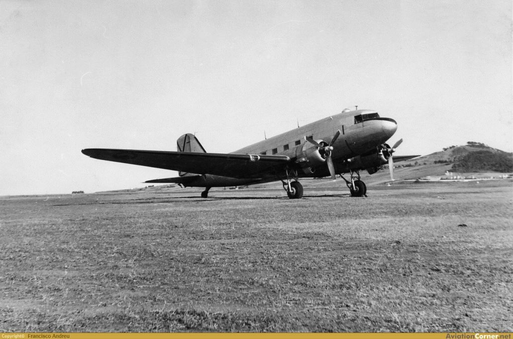 Ejercito del Aire (Spanish Air Force)-douglas-c-47-dakota-0012.jpg