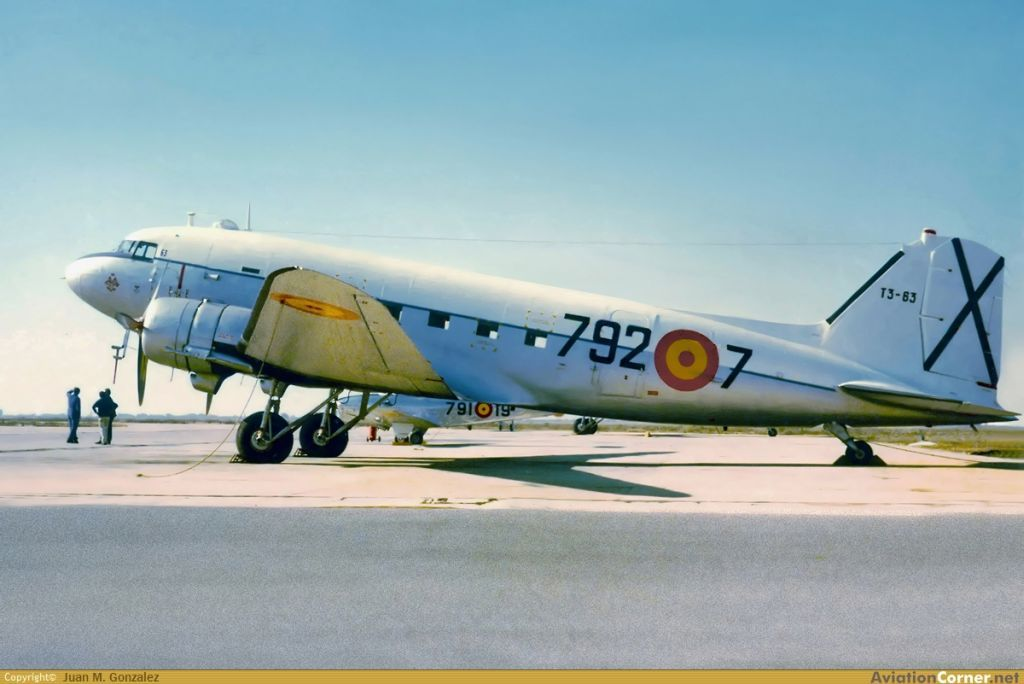 Ejercito del Aire (Spanish Air Force)-douglas-c-47-dakota-006.jpg