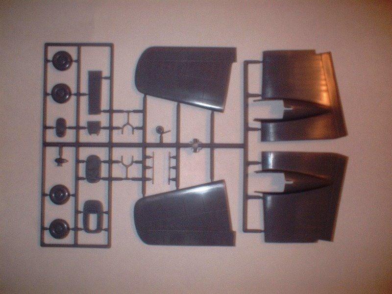 New Armstrong Whitworth Whitley kits 1/72-dscf0013-jpg