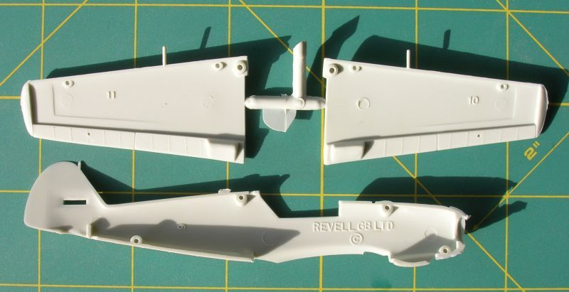Revell no.04679 1/72 scale Bf 109E-4 ... supplement-dscn2755.jpg