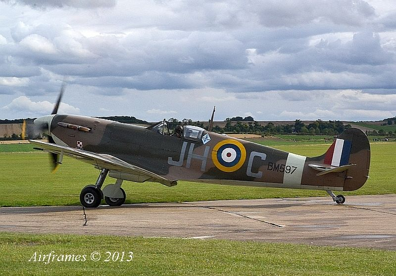 Spitfire Mk.1 painting..-duxford-show-sept-13-1084.jpg