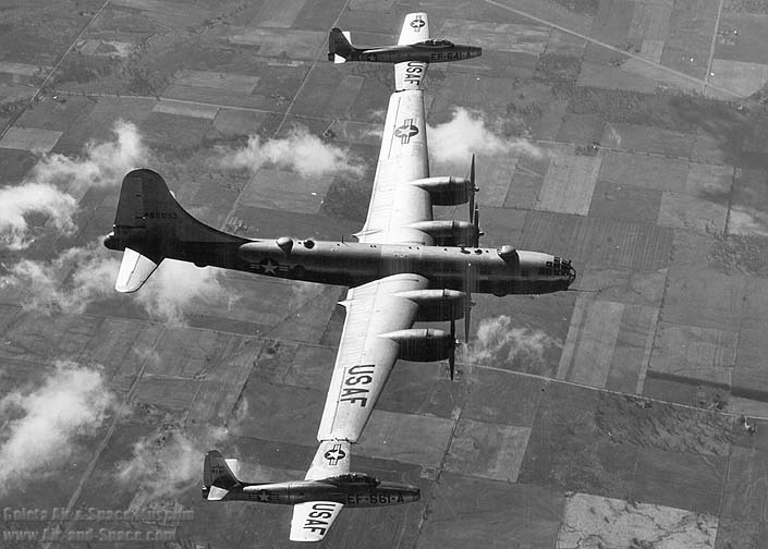 "What The Heck Were They Thinking? B-29 Project ""Tip Tow""-eb-29b-44-62093-ef-84d-48-641-48-661-right-side-flight-l.jpg"