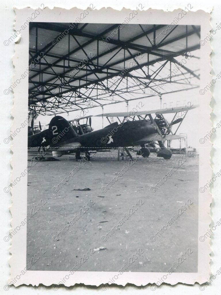Fiat CR.42 Falco_08_bergium airforce beute_ Nivelles, Belgien.jpg