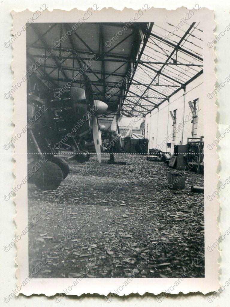 Fiat CR.42 Falco_09_bergium airforce beute_ Nivelles, Belgien.jpg