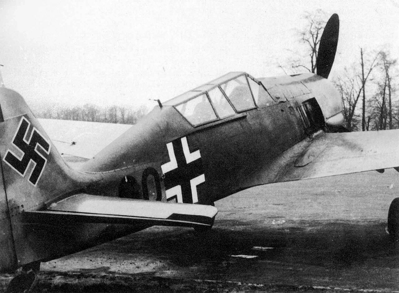 Focke-Wulf-Fw-190S.jpg