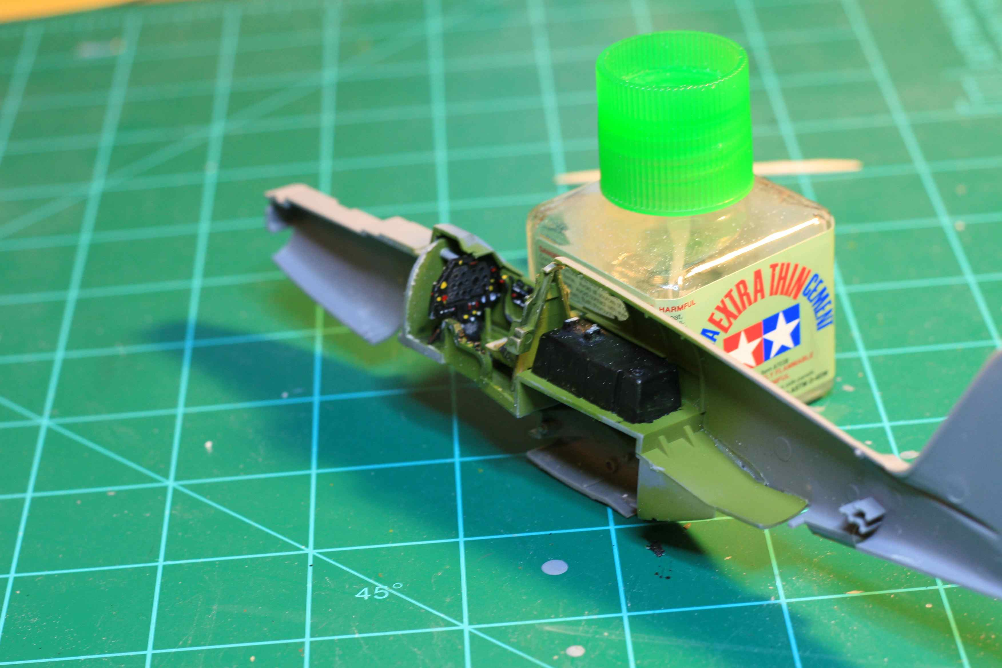 Tamiya 1/48 P-51B Build-fusergtside2_small.jpg