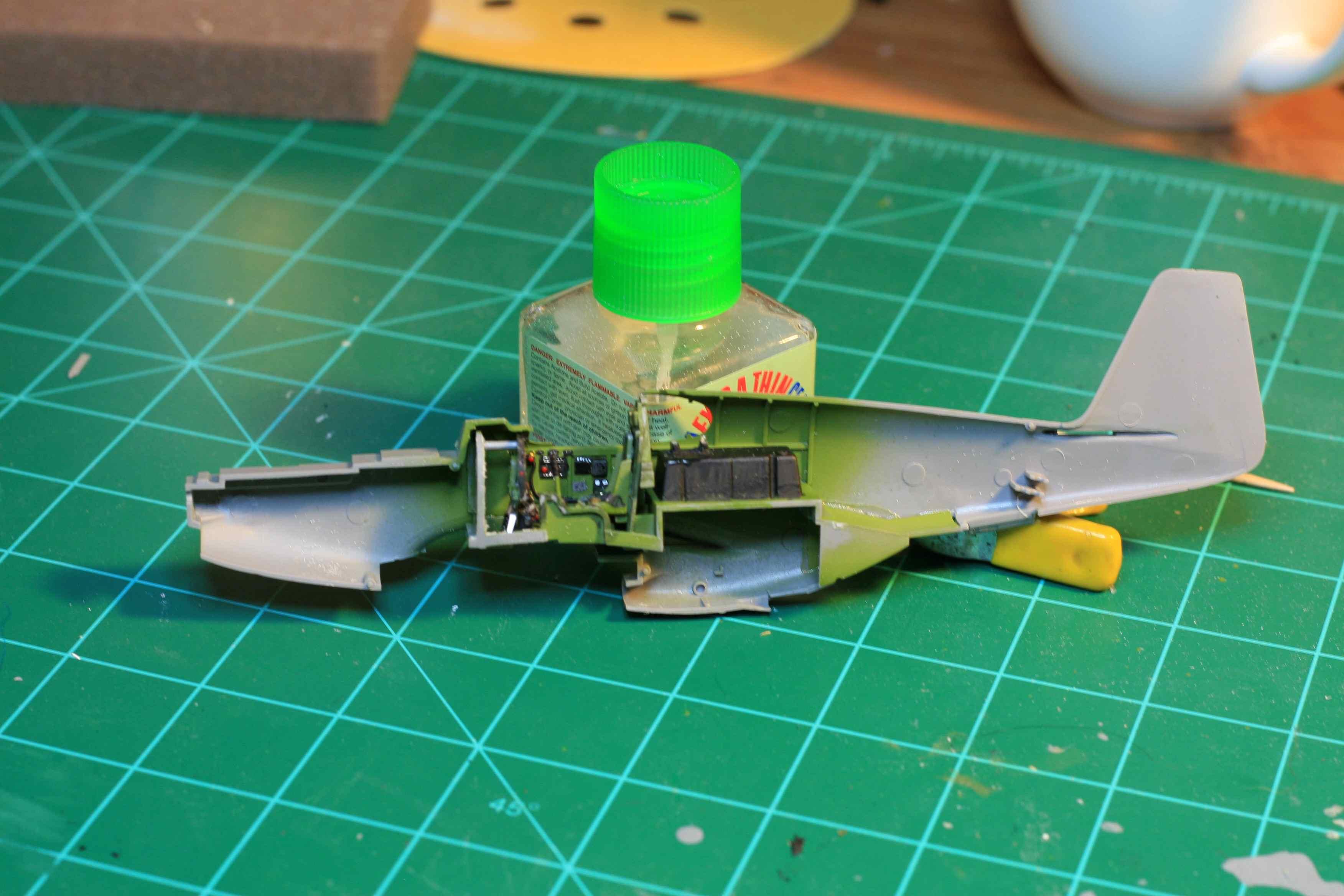 Tamiya 1/48 P-51B Build-fusergtside_small.jpg