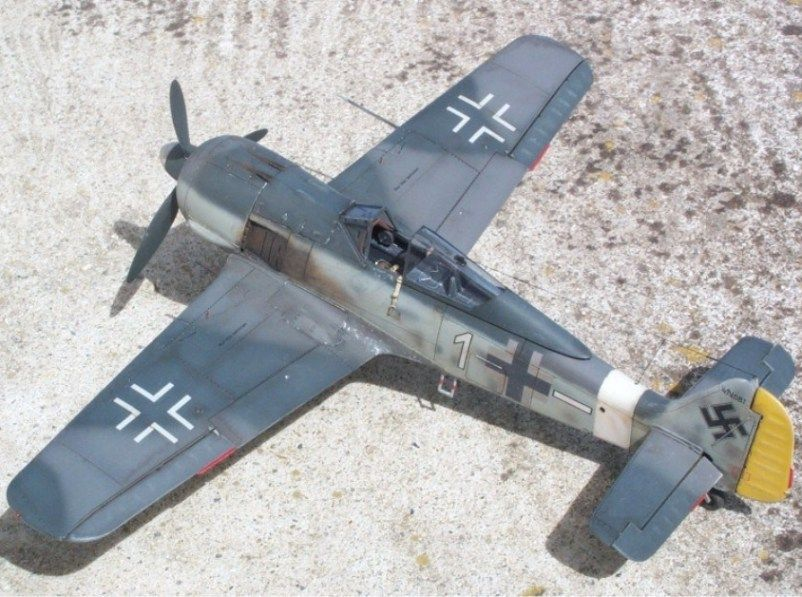 My three 1/48 Fw 190-fw-190a-4-staffelkapitan-4-jg2-kerouan-oct-1942-mars-1943-lt-k.-b-hligen_1.jpg