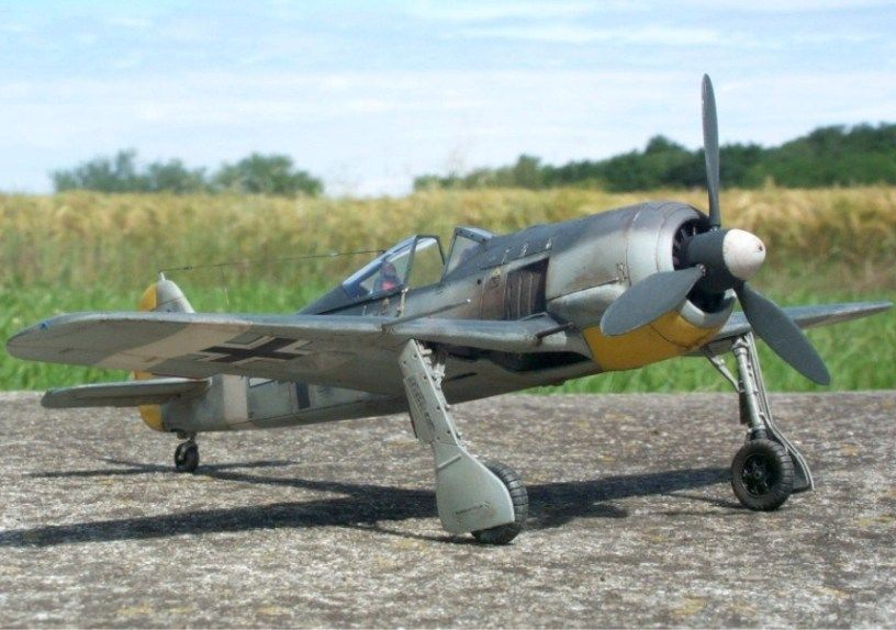 My three 1/48 Fw 190-fw-190a-4-staffelkapitan-4-jg2-kerouan-oct-1942-mars-1943-lt-k.-b-hligen_7.jpg