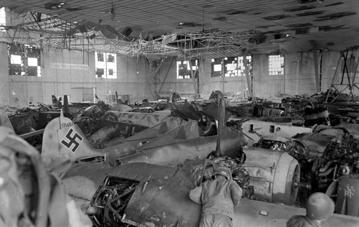 fw190_80_Rheims sept 1944.jpg