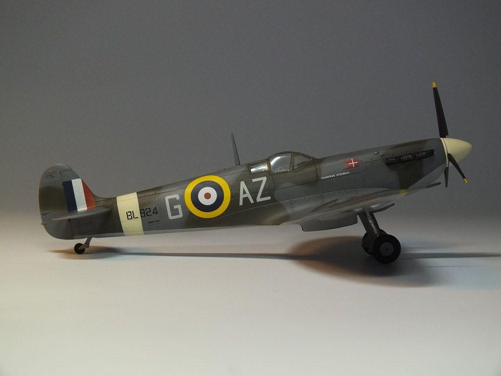 Spitfire Mk Vb-Revell 1:72   Aircraft of World War II
