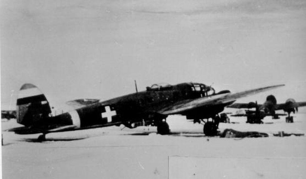 Hungarian Air Force-h111p1-jpg