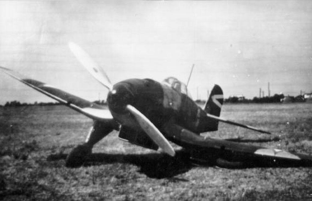 Hungarian Air Force-h112p1.jpg