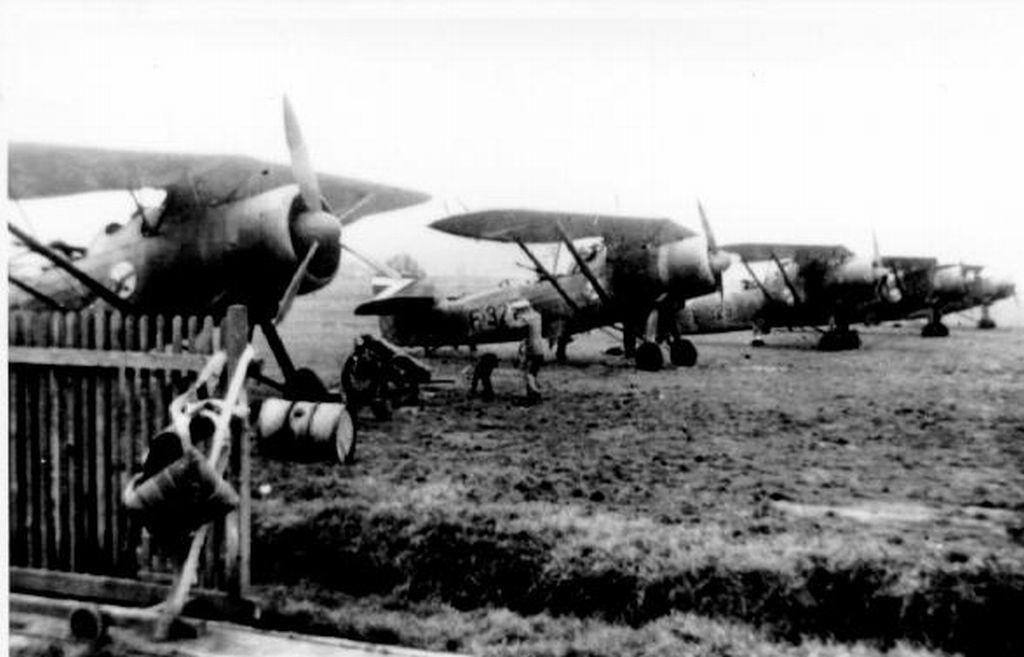 Hungarian Air Force-h46x3.jpg