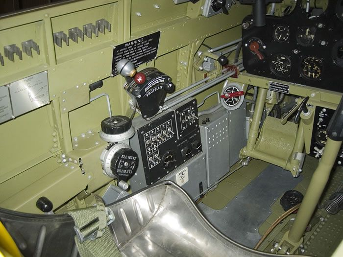 Curtiss Hawk 75 A N° 140 du capitaine Josef Duda Hobby craft 1/48 Hawk-2075-20cockpit-2021-jpg