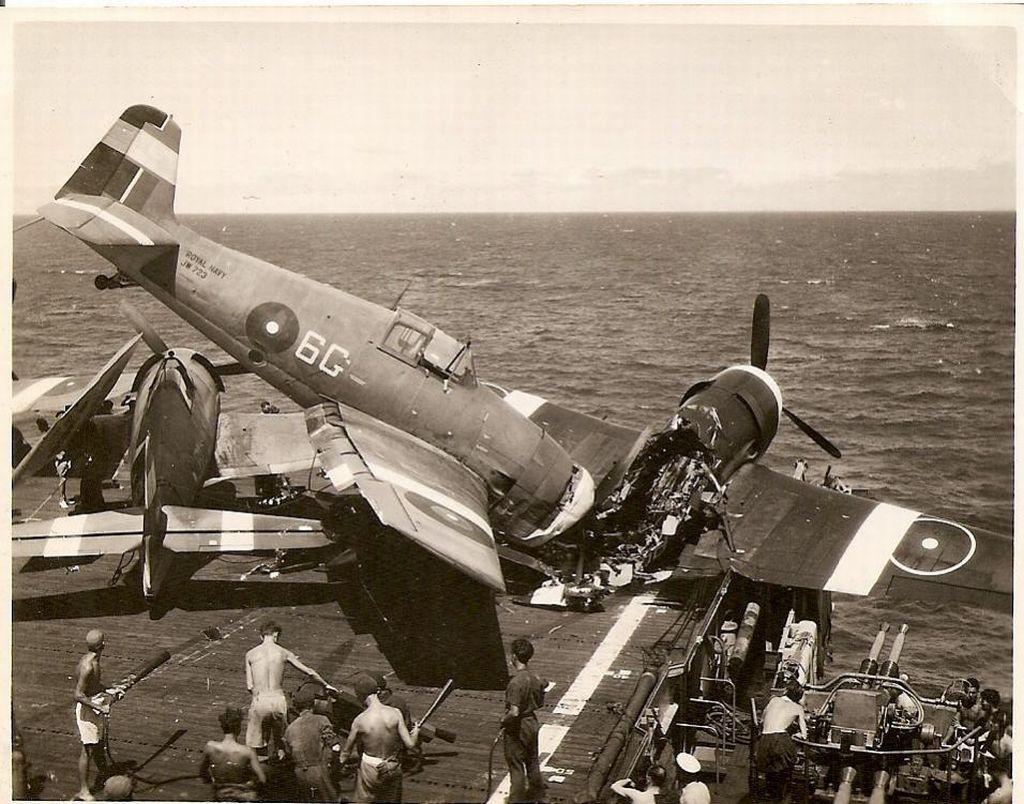 Fleet Air Arm Pacific Roundels-hellcat-faa-mishap-4.jpg