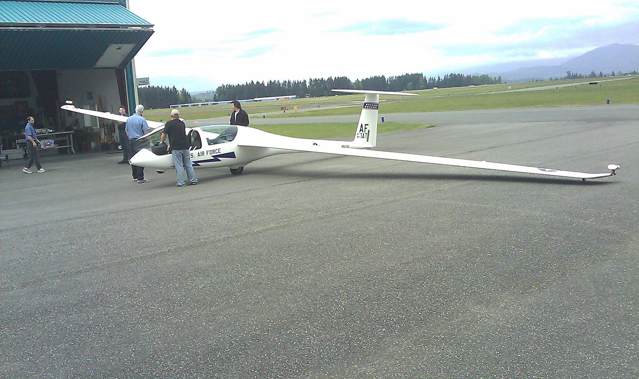 Newest USAF Trainer - DG TG-16-image_183-jpg