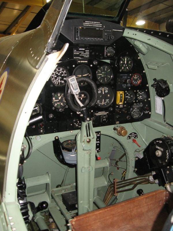 Spitfire Cockpit Colour-img_0090_12_1-jpg