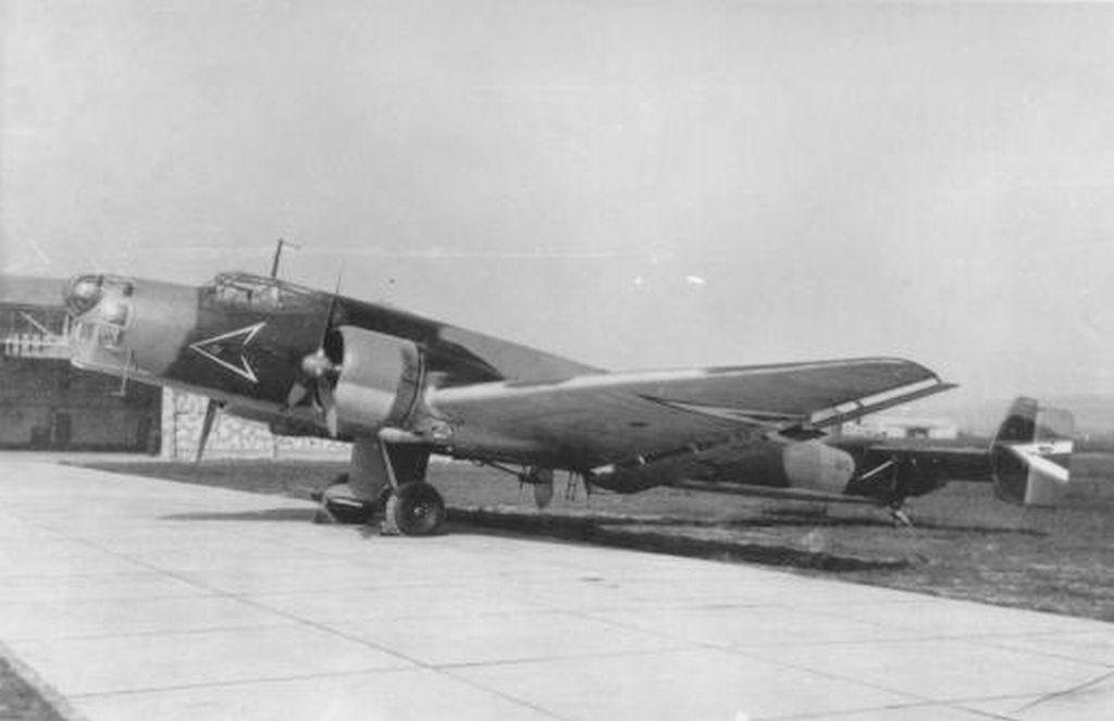 Hungarian Air Force-j86p8-jpg
